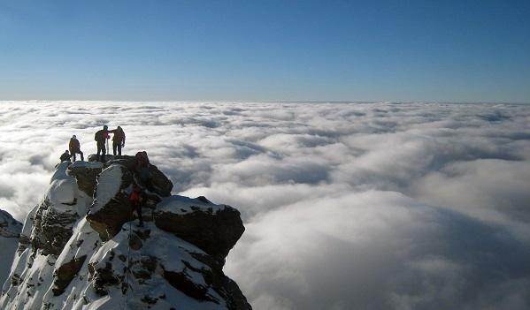 alpinisti vetta montagna